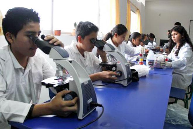 La educación es la prioridad del gobierno de Ecuador