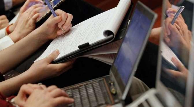 Periodistas ecuatorianos defienden salario digno