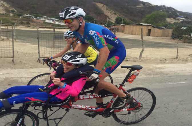 Hermanos ecuatorianos completan el Ironman 70.3