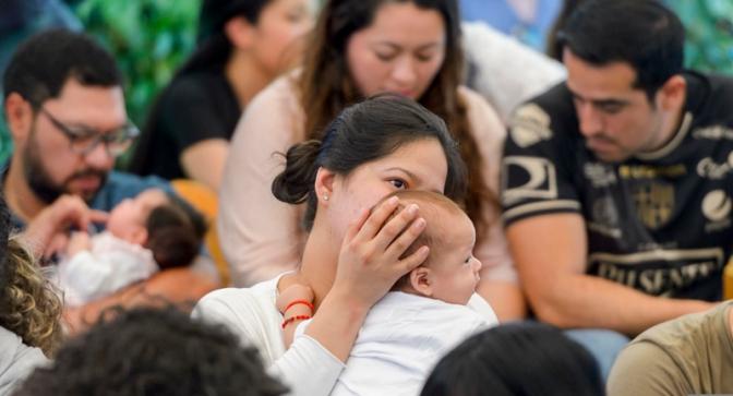 Madres y bebés disfrutaron de la gran lactada en Cumbayá