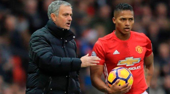 Mourinho explica por qué el ecuatoriano A. Valencia no ha jugado