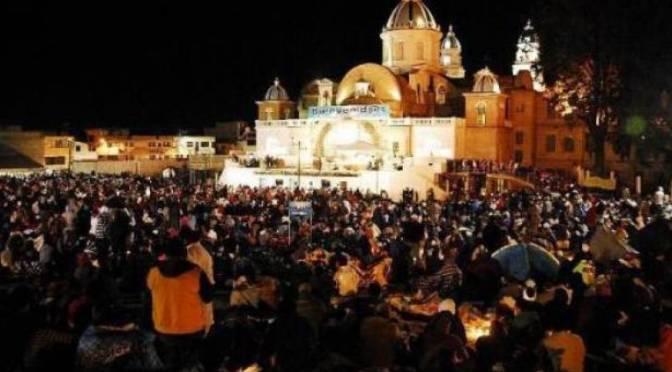 Alrededor de un millón de fieles caminan hacia el santuario de El Quinche